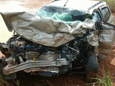 Veículo que ele conduzia ficou destruído após acidente