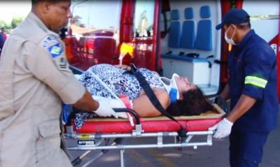 Grávida de menino é resgatada após acidente com moto