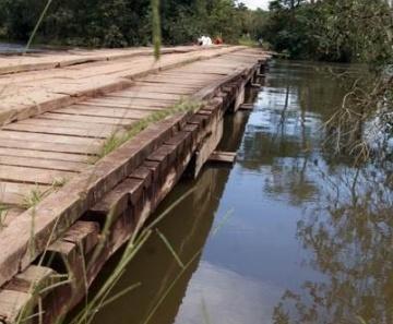 Ponte do rio que homem foi arremessado