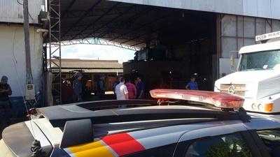 Polícia Militar ouve proprietário e funcionários da serralheria