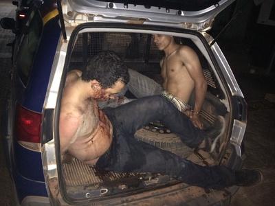 Dois foram presos suspeitos de fazer família refém e entrar em tiroteio contra policiais em São Féli