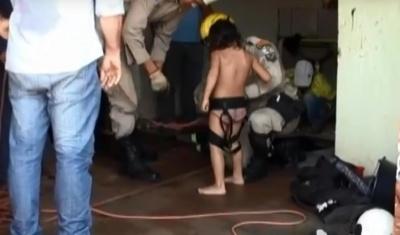 Menina foi resgatada após rapel dos bombeiros
